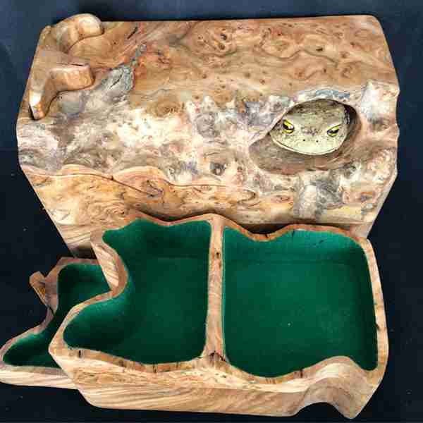 wooden toad box 5
